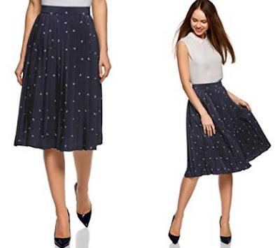 falda midi color azul marino con pliegues