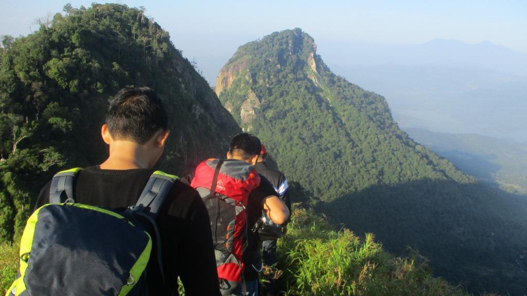 View Gunung Bongkok Berapa Mdpl PNG
