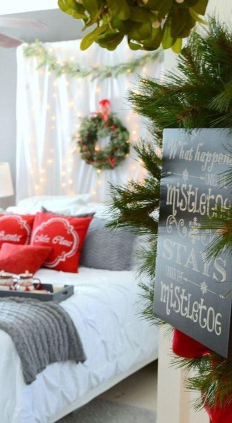 21 Cozy Christmas Bedroom Decor Ideas