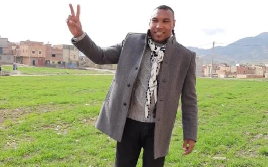 """الناشط الحقوقي """"بودا"""" يعانق الحرية في خنيفرة"""