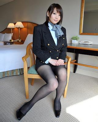 Seragam Pramugari Jepang selalu tampil seksi dan hot