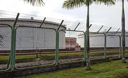 Pemilihan tangki penampungan minyak bumi- unit pengolahan minyak bumi