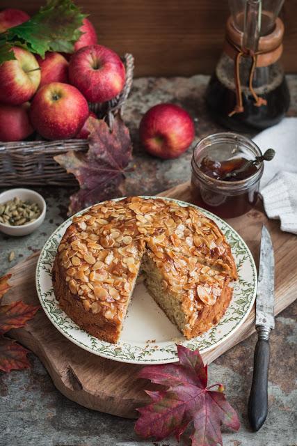 Gâteau aux pommes moelleux, cardamome et cannelle