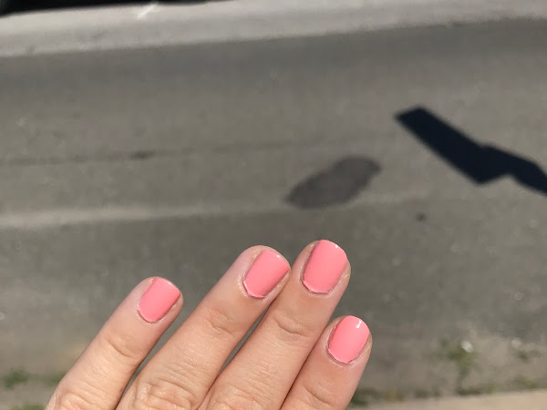 Manicure Monday: Essie Sunny Business Collection + Beachy Keen