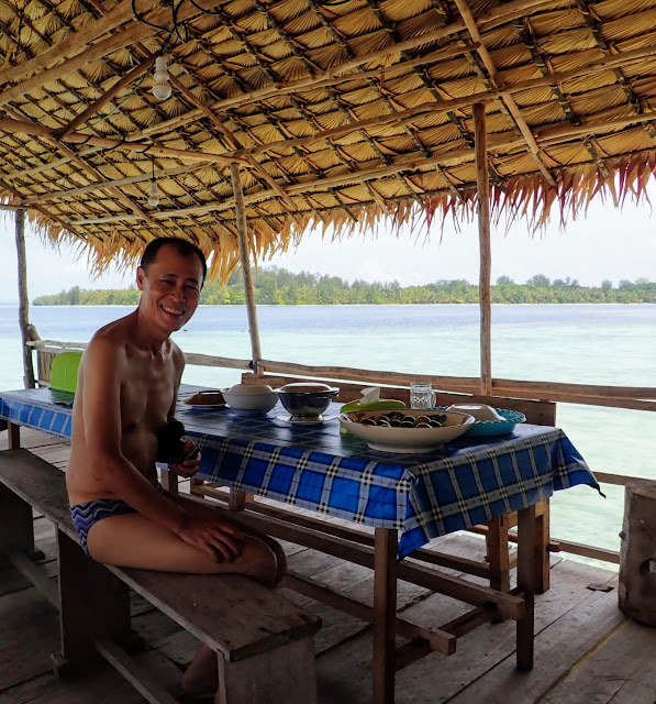 Dining in Seafan homestay