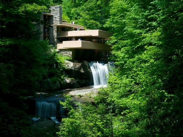 casa kaufmann-Fallingwater-casa sulla cascata-architettura-Frank Lloyd Wright