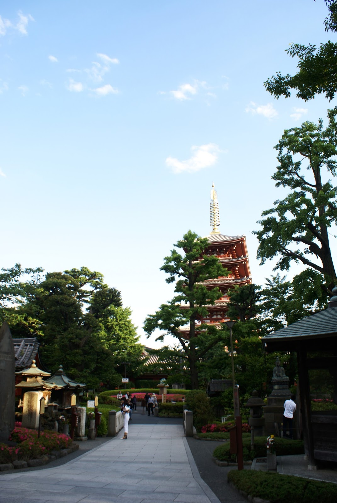 pagoda asakusa senso-ji tokyo japan