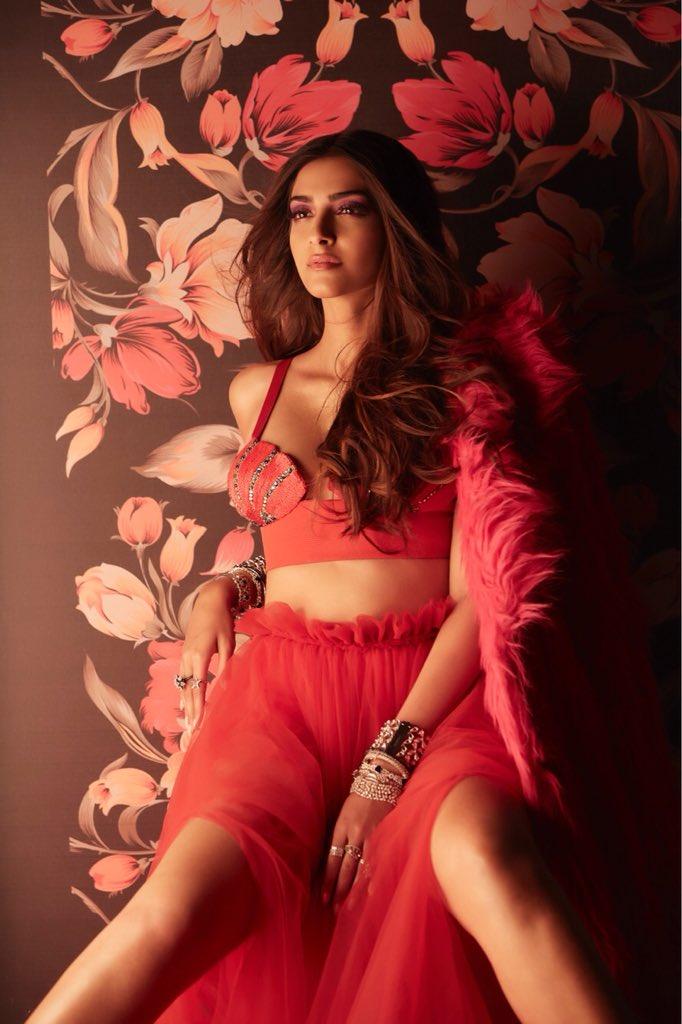Sonam Kapoor hot 5