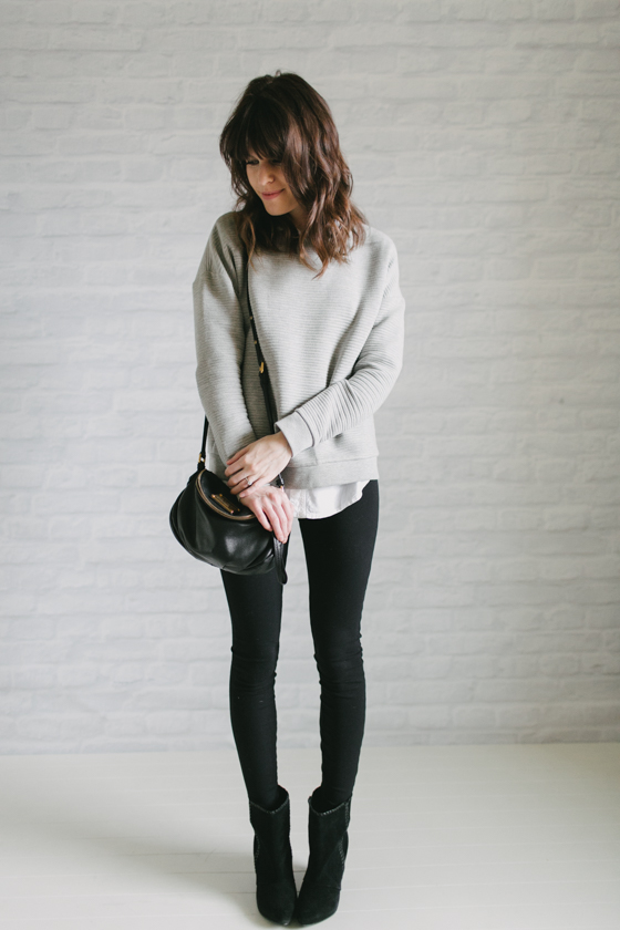 OUTFIT DEL Du00cdA Grey white and black outfit - Look con blanco negro y gris