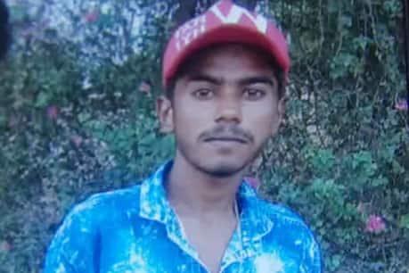 दलित युवक की गोली मारकर हत्या के बाद रिहाई मंच का प्रतिनिधि मंडल गाँव पहुंचा