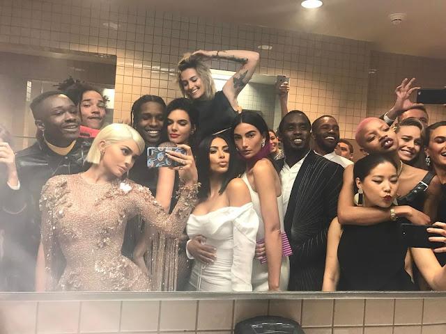 Kylie Jenner Met Gala 2017 Instagram Selfie