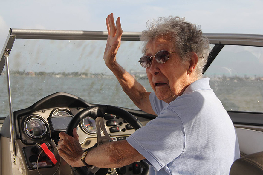 90-Year-Old With Cancer Chooses Epic Road Trip With Family Instead Of Treatment - Their journey hasn't just been confined to the road either!