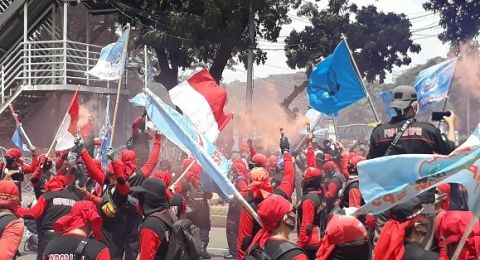 Demo di Tengah Pandemi, Buruh: Kalau Kena Covid Hari Ini karena UU Ciptaker