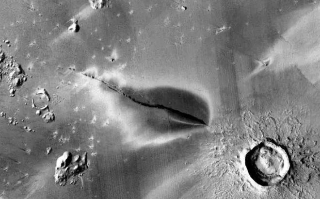 Volcanes elevan la posibilidad de condiciones habitables en Marte