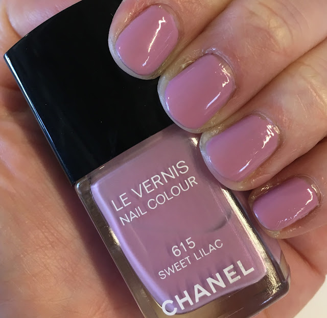 Chanel, Chanel Le Vernis Nail Colour, Chanel Sweet Lilac, nails, nail polish, nail lacquer, manicure, #ManiMonday