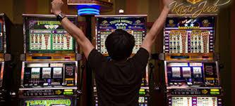 Bermain Judi Slot Online yang Menguntungkan di Situs Sbobet 2021