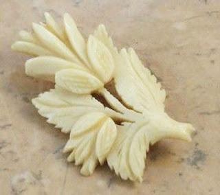 Bone thistle brooch - Victorian