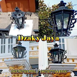 Contoh lampu antik besi tempa untuk tiang pagar rumah mewah klasik