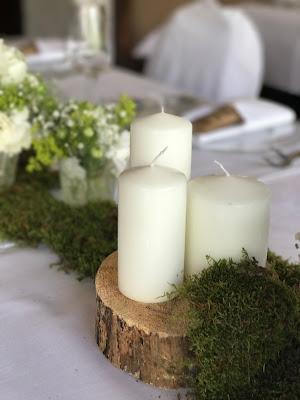 Tischdeko, Kerzen, Baumstammscheiben,. Hochzeit in Apfelgrün und Weiß im Riessersee Hotel Garmisch-Partenkirchen, Hochzeitshotel in Bayern, heiraten in den Bergen am See