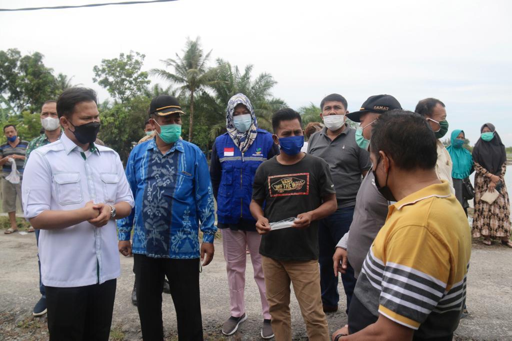 Wabup Sergai Serahkan Bantuan Kepada 49 Warga Yang Terdampak Bencana Angin Puting Beliung
