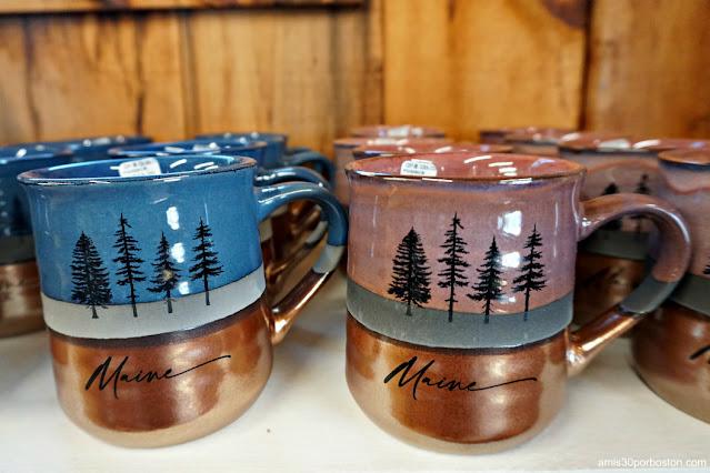 Tazas de Land's End Gift Shop en Bailey Island, Maine