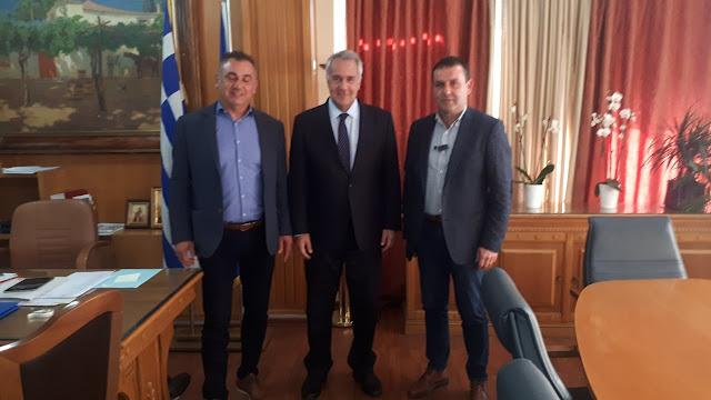 Ο Υπουργός Αγροτικής Ανάπτυξης και Τροφίμων αποδέχτηκε την πρόσκληση του Αγροτικού Συλλόγου Γεωργών Βέροιας  για μια ευρεία σύσκεψη με θέμα το ροδάκινο στην Βέροια.
