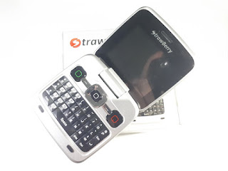 Hape Unik Strawberry Whisky ST99 Flip Phone QWERTY Keyboard New