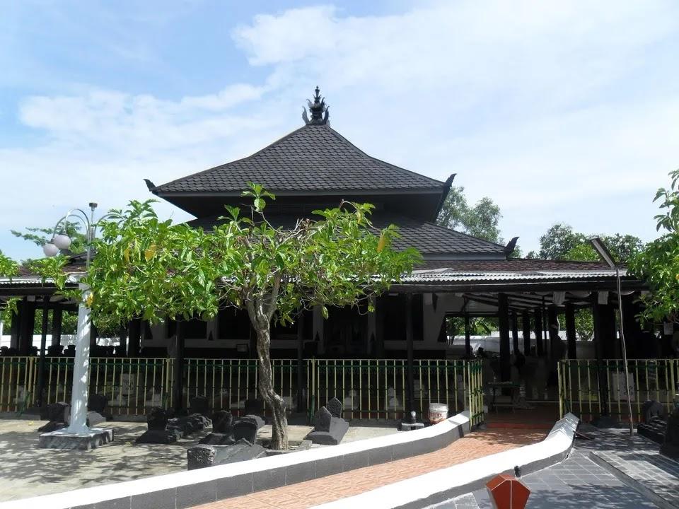 bukti penyebaran islam di indonesia