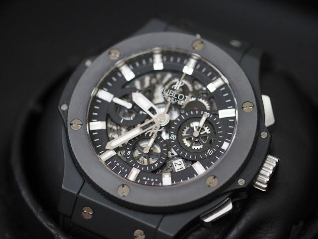 ウブロ アエロバン ブラックマジック  腕時計をお買い取り致します