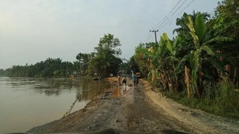 Jalan Lintas Kabupaten Inhil dan Inhu Diprediksi Lumpuh Total