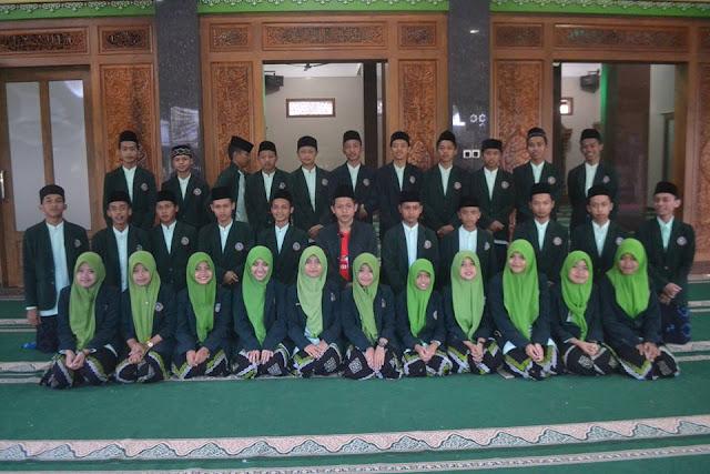 santriyai.blogspot.com