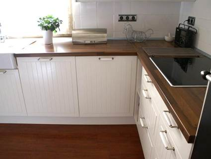 Best Inexspensive Wooden Countertops In The Kitchen, Pros and Cons 2