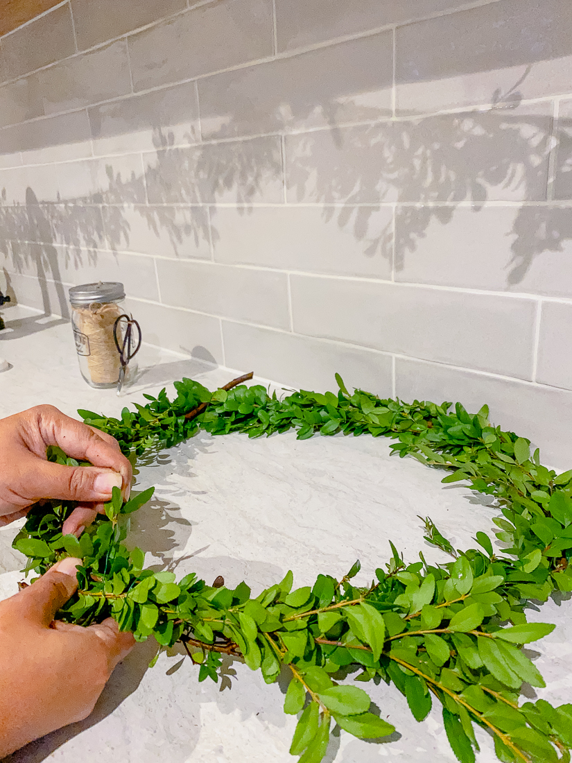 how to make a christmas wreath, christmas wreath diy, easy christmas wreath, cheap christmas wreath, holiday wreath cheap