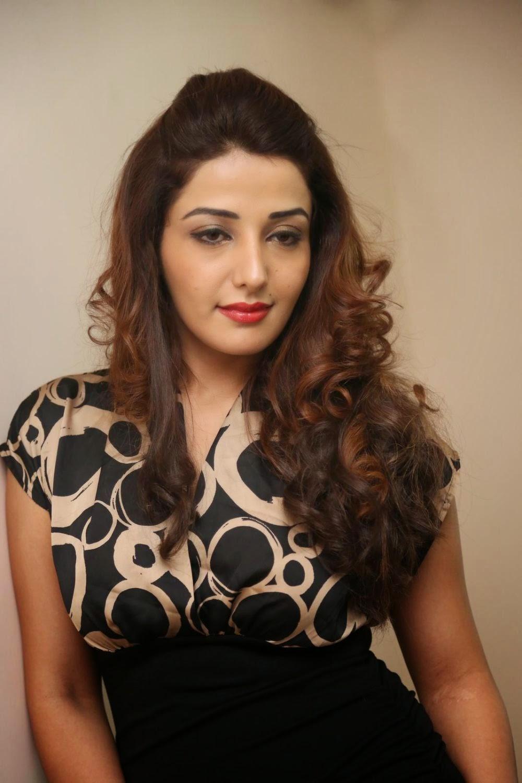 Sonia Mann Latest Hot Stills in Short Dress at Dhee Ante ...
