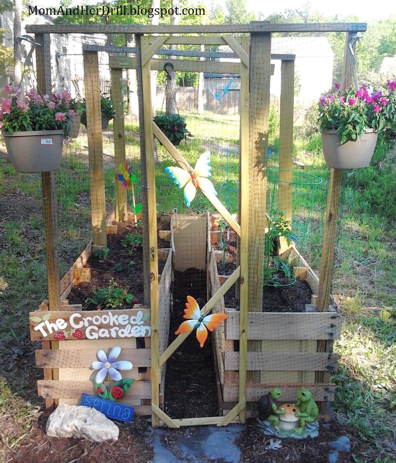 Pallet Veggie Garden: Kid-Size Critter Proof Veggie Garden: REVEAL