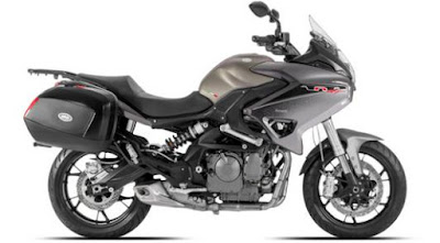 Benelli TNT 600 GT right side view