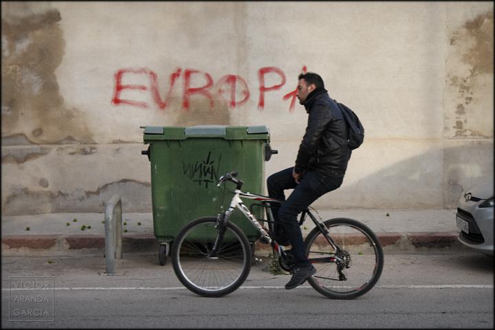 fotografia,europo,contenedor,arriba-extraña,valencia,ciclista,bici,serie