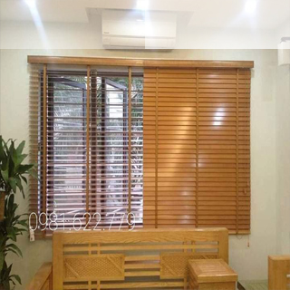 Rèm gỗ sang trọng hiện đại cho cửa sổ phòng khách.sản phẩm thiết kế bởi rèm BÌNH MINH đồng xoài.