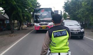 Satlantas Polres Bojonegoro Patroli Bus Ngeblong