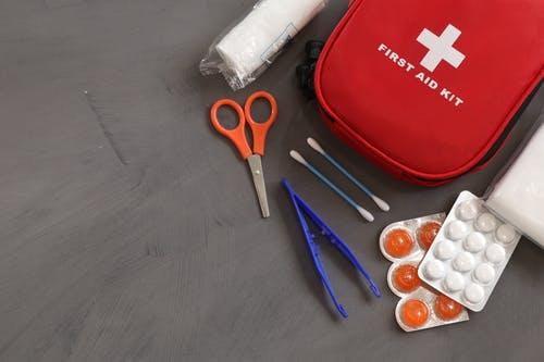 first aid kit ketika banjir
