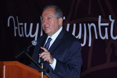 Sargsyan pide a los jóvenes de la diáspora que vuelvan a Armenia