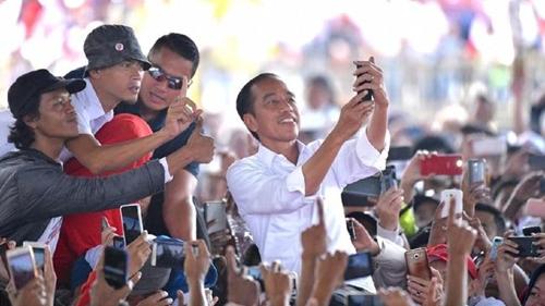 Pendukung Jokowi Minta TNI dan Polri Ambil Alih Ini