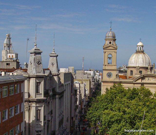 Cidade Velha de Montevidéu: Rua Sarandí e Catedral de Montevidéu