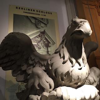 Adler berliner stadtschloss humboldtbox stuck belz bonn