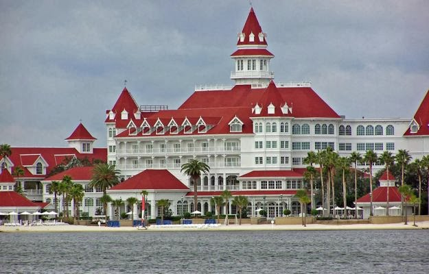 Of Henry Flagler S Ormond Hotel The Walt Disney Company Built Grand Floridian An Enormous Resort Inspired By Victorian Era Beach Resorts Like