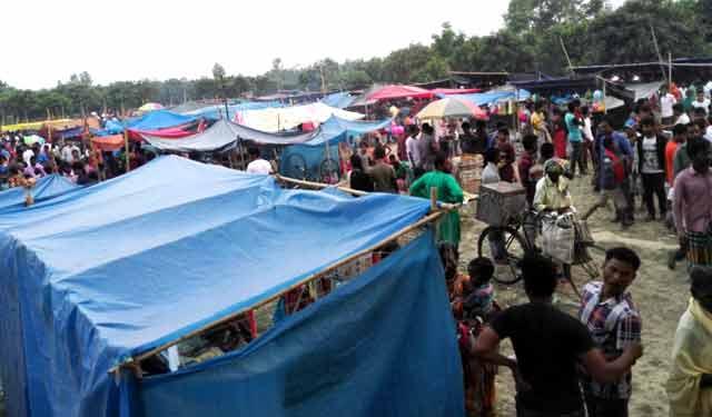Sapahar village The crowd Gambhirir fair of Bengal