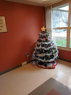 Thankfully this year's lobby tree remains standing