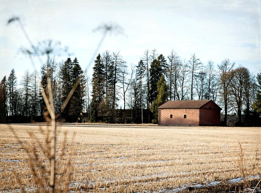 Pori, maisema, maaseutu, vanha rakennus, arkkitehtuuri, kevät, pelto, aurinko, kevätaurinko, valokuvaus, valokuvaaminen, Frida Steiner, Frida S Visuals, photography, Finland, Suomi, valokuvaaja, Visualaddict