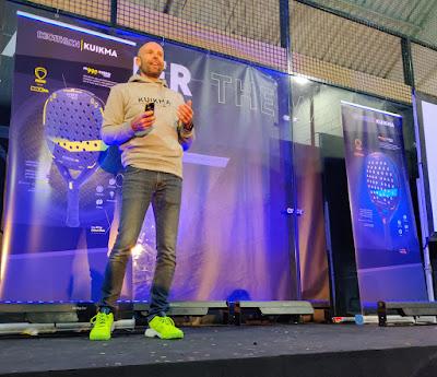 Frederic Oudeville explicando las novedades de la Colección Kuikma Decathlon 2020