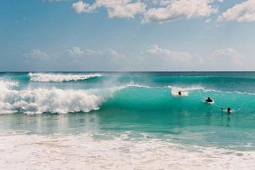 yang terletak di sebelah selatan Pulau Bali tepatnya berada dalam kompleks Bali Pecatu Gra Objek Wisata Pantai Dreamland Pulau Dewata Bali